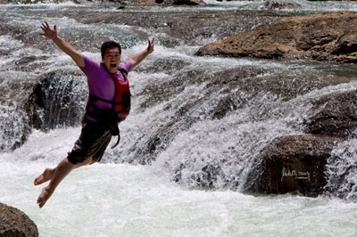 olot-river-jump
